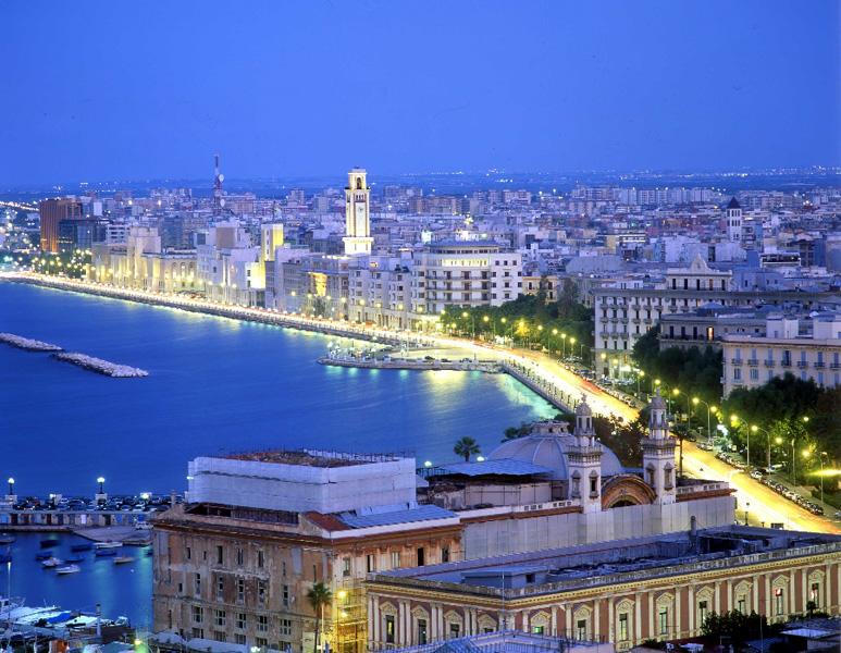Super Reducere City Break 3 nopti Martie - Aprilie 2020 la Bari din Bucuresti de la 269 Euro/persoana!