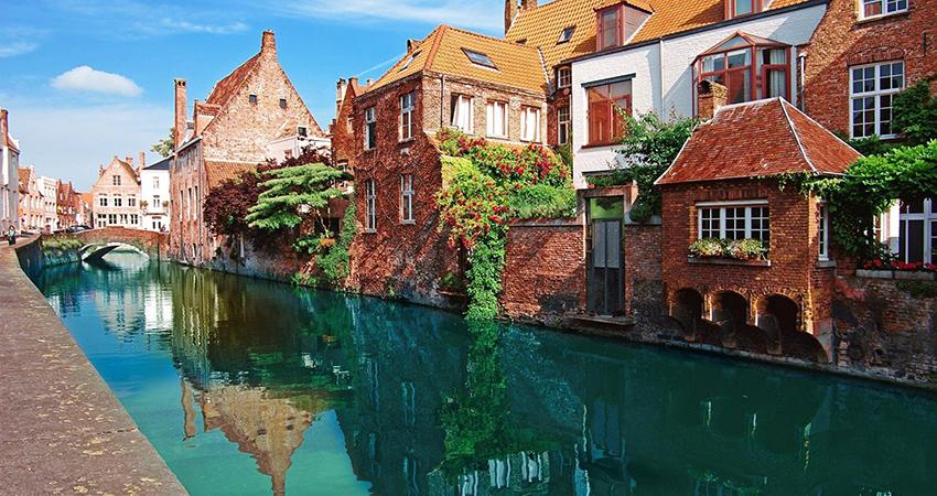 Super Reducere 3 nopti la Bruges din Bucuresti Octombrie - Noiembrie de la 249 Euro/persoana!