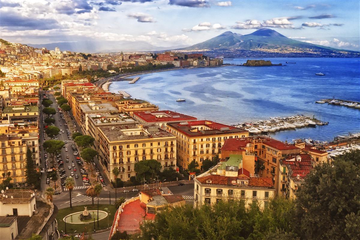 Super Reducere City Break Napoli din Bucuresti Ianuarie - Februarie 4 nopti de la 189 Euro/persoana!