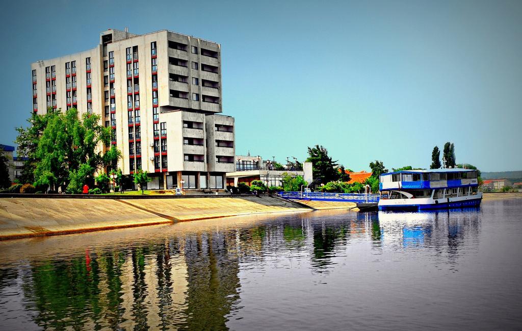 Super Reducere Sejur 8 Martie Serbia - Kladovo Hotel Djerdap 3* de la doar 69 euro/persoana!